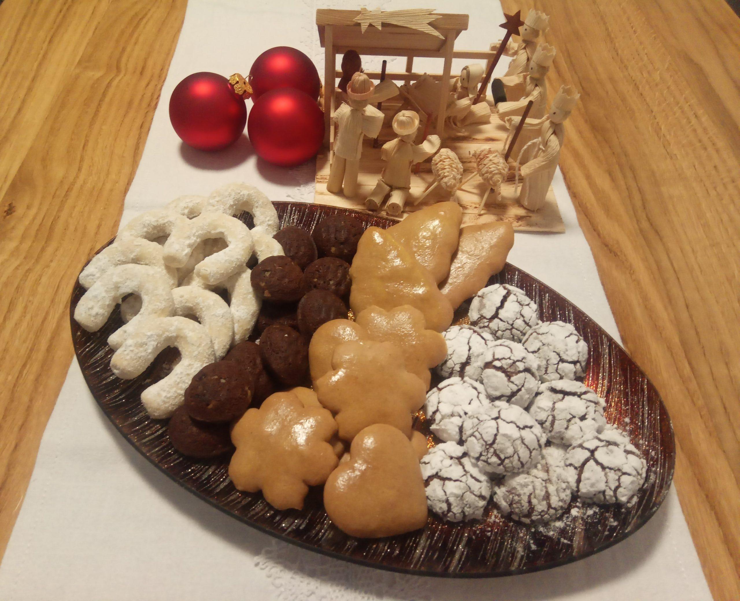 Vanilkové rožky, Čoko orechy, Medovníčky, Crinkles 3